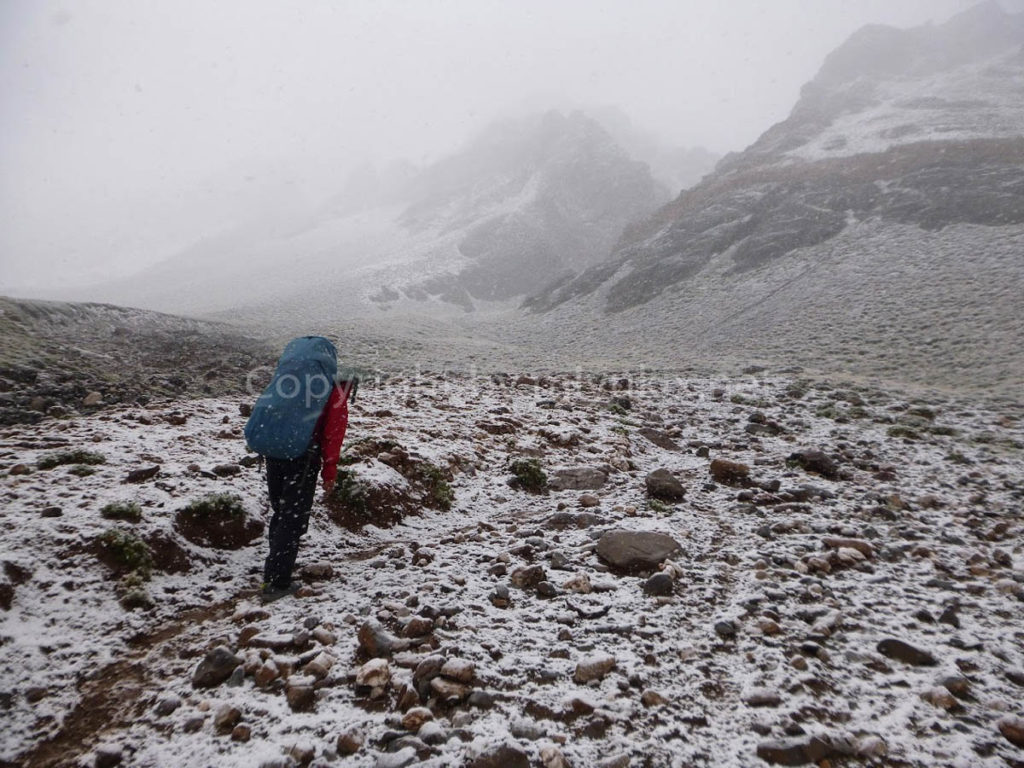 アコンカグア登山1日目 いきなり雪!