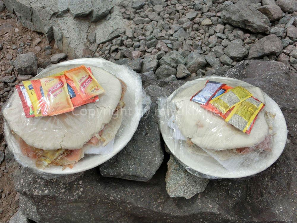 アコンカグア登山:BCのレストランのハンバーガー