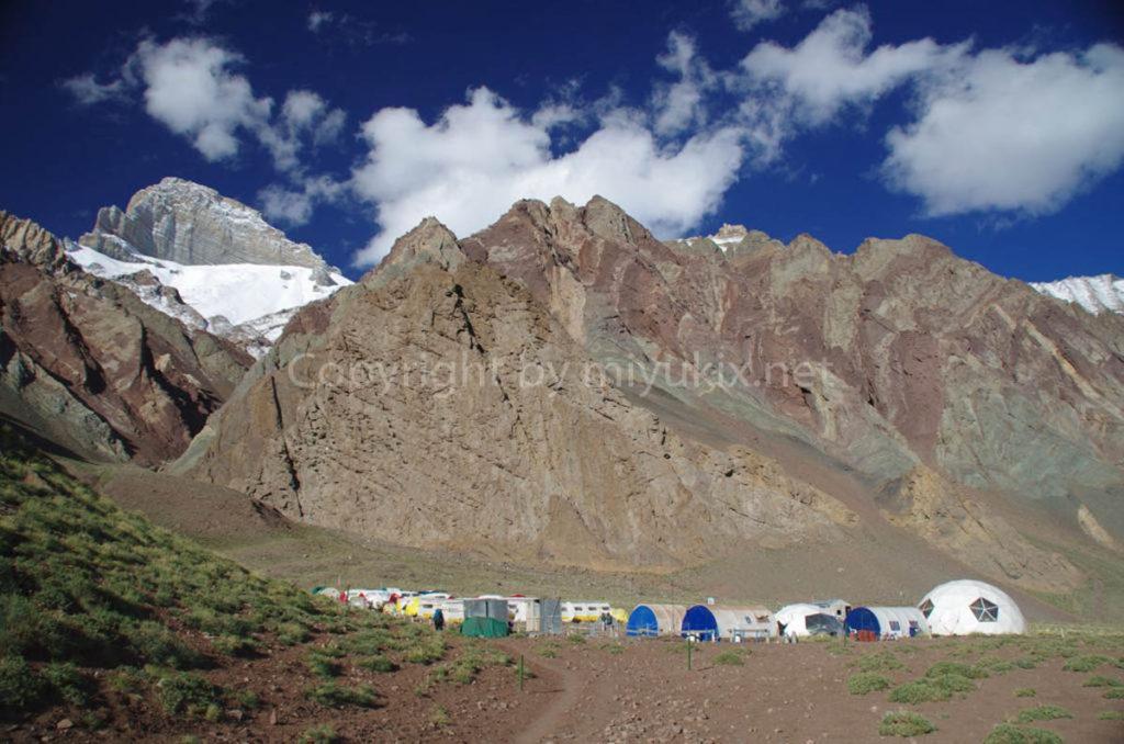 アコンカグア登山1日目 コンフルエンシア(3300m) Confluencia