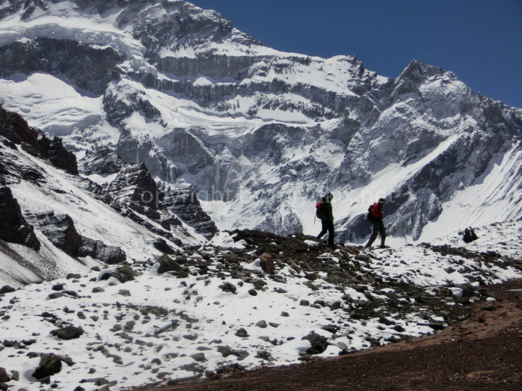 アコンカグア登山2日目 アコンカグア南壁まで高度順応 Aconcagua south face