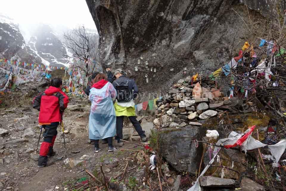 【中国雲南省】女ぼっちで聖山・梅里雪山へ行ってきた!(5)(雨崩~神瀑~雨崩:トレッキング)